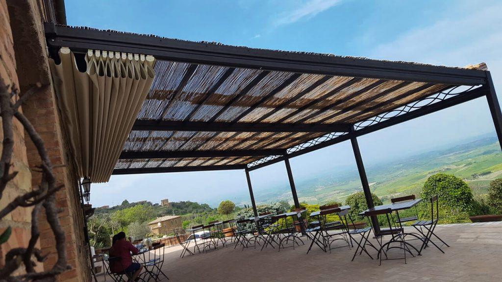 Pergola addossata Boccon Di Vino a Montalcino - Gaia Ferro Forgiato