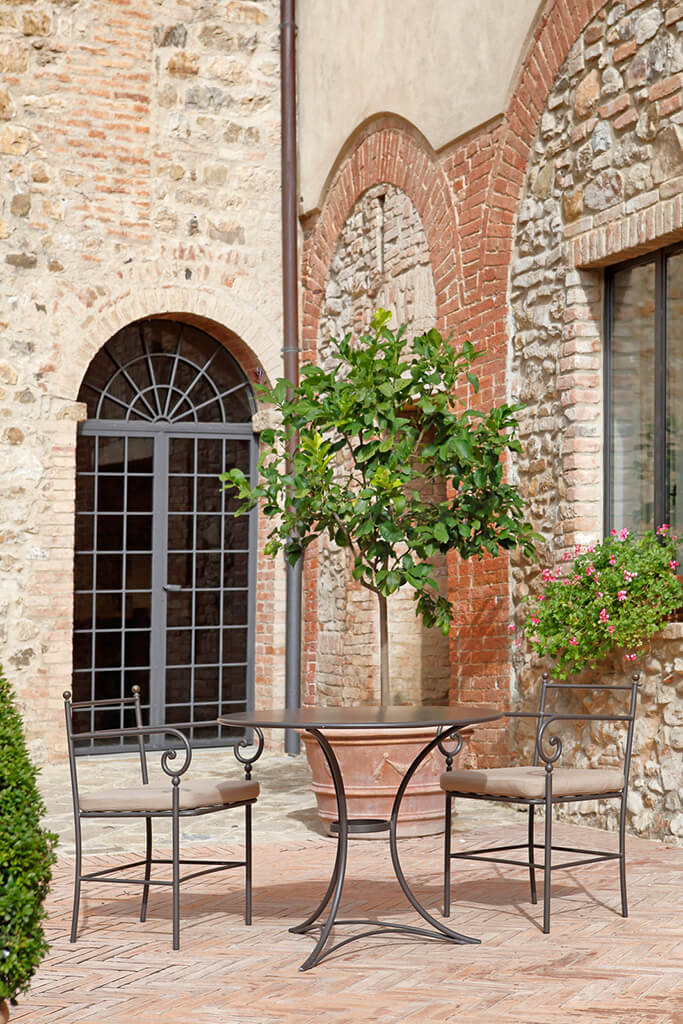 Castello Banfi Il Borgo - Arredo Gaia