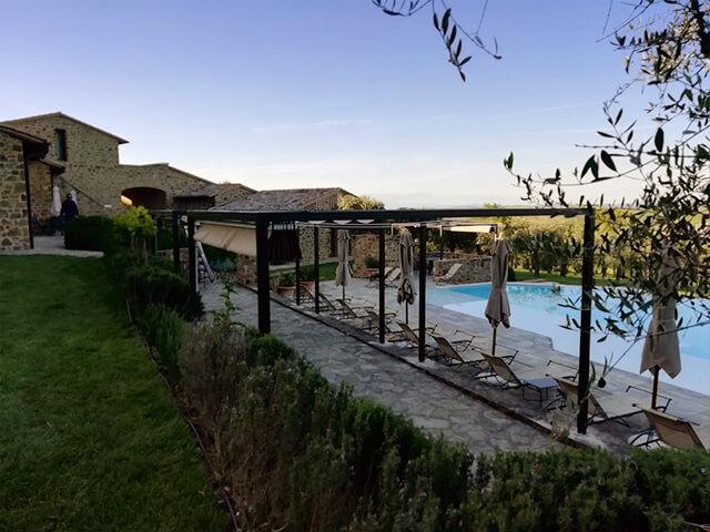 Pergola con tenda nuvola - Relais Canalicchio di Sopra - Montalcino